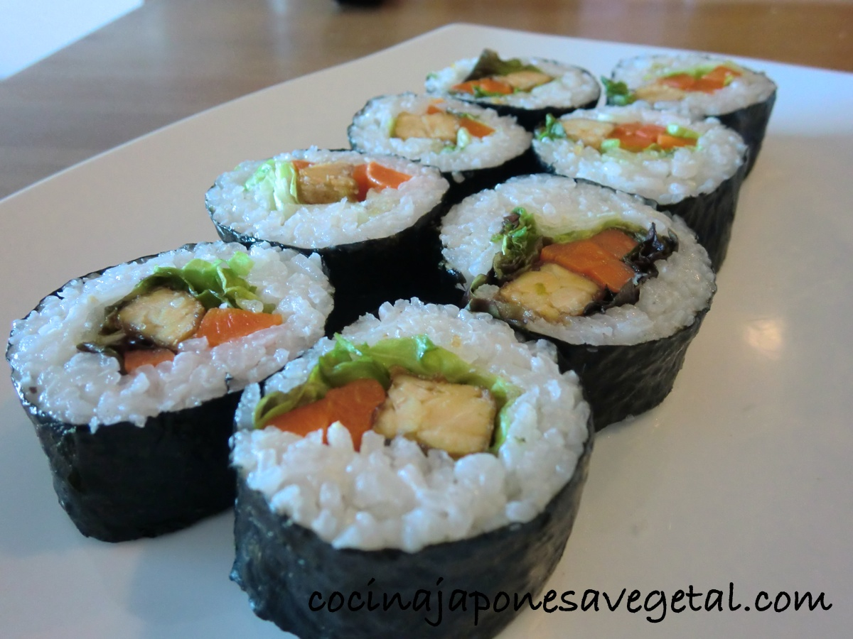 Sushi comer verduras for Comida tradicional definicion